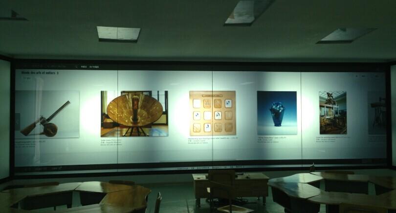 上海某集团展示厅1*4触摸拼接屏